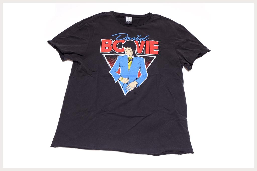 ボウイのTシャツ全体像