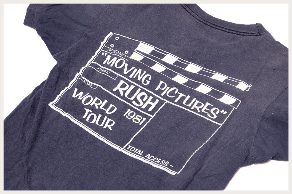 RUSH Tシャツ後ろプリント部分アップ