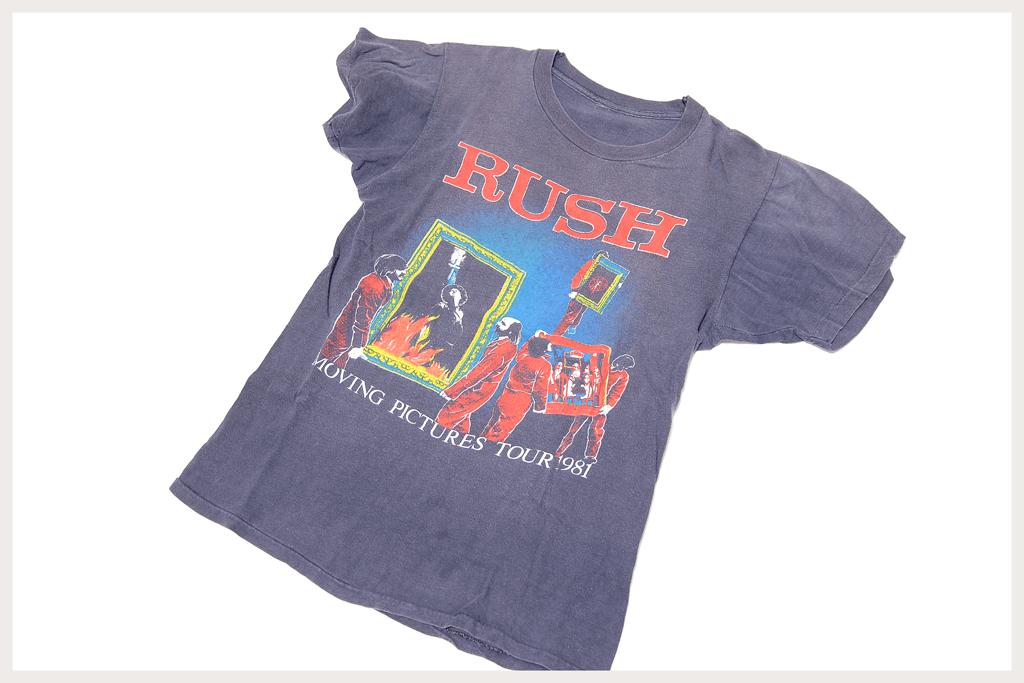 RUSH Tシャツ全体像斜め