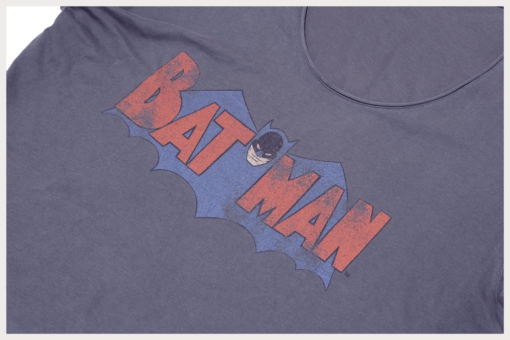 バットマンTシャツロゴアップ2